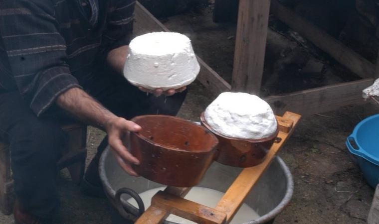 Lavorazione formaggio, Cortes Apertas - Lollove