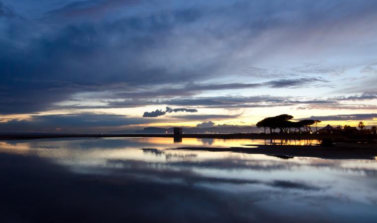 Parco Naturale di Molentargius, stagno al tramonto - Cagliari