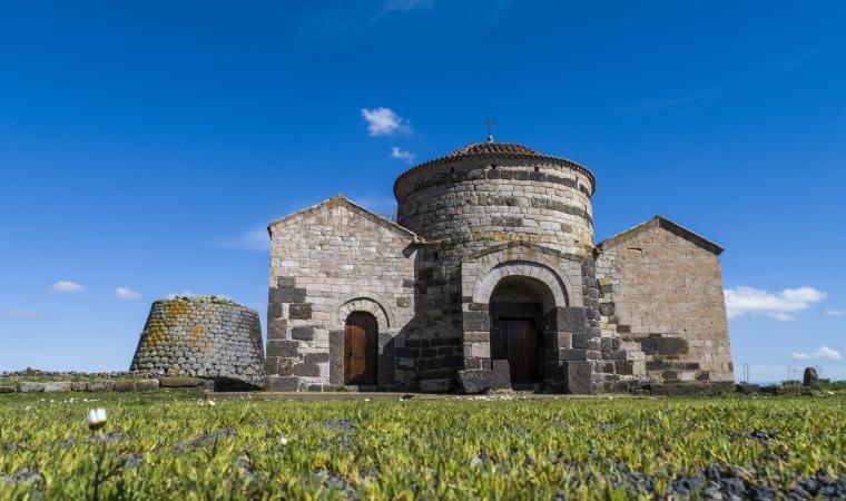 chiesa e nuraghe di Santa Sabina - Silanus