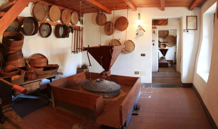 Sala macina - museo etnografico Mulino Licheri - Fluminimaggiore