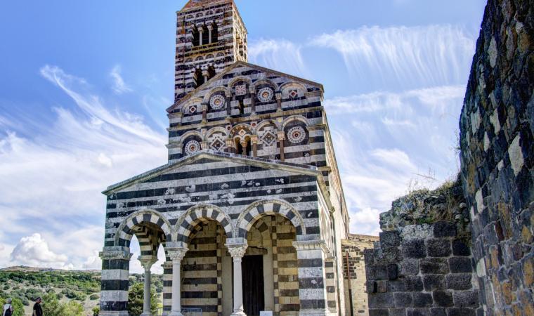 Santissima Trinità di Saccargia, facciata - Codrongianos