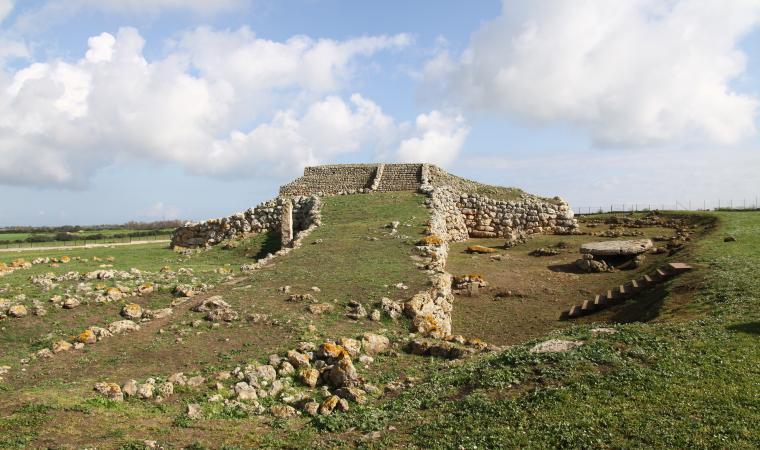 Altare monte d'Accoddi - Sassari