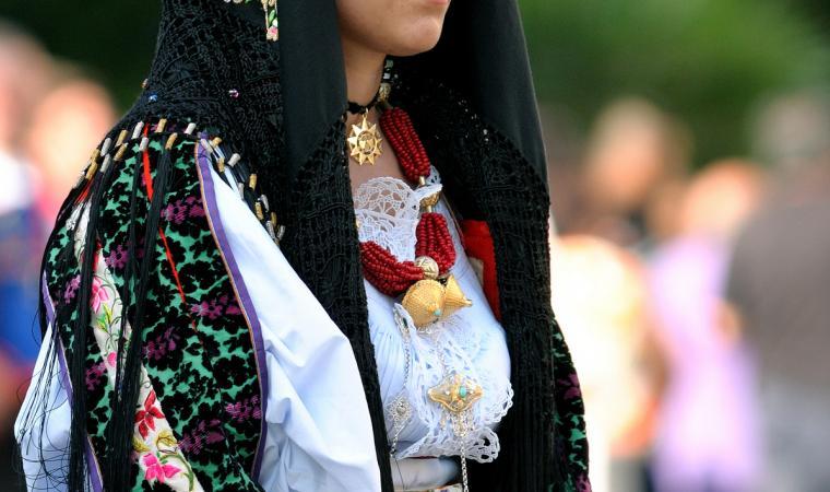 Donna in abito tradizionale - Oliena