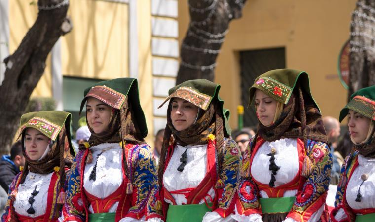 Donne in abito tradizionale - Samugheo
