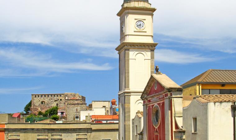 Basilica di sant'Antioco, piazza