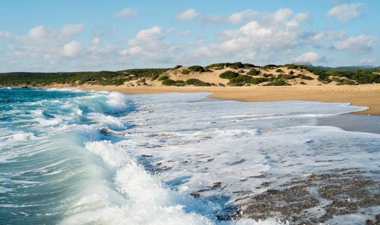Spiaggia di Piscinas, onde - Costa Verde