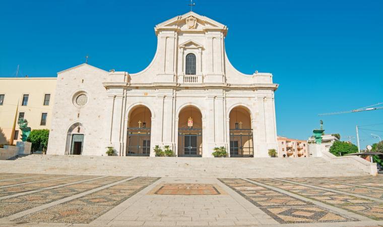 Nostra Signora di Bonaria, scalinata  - Cagliari