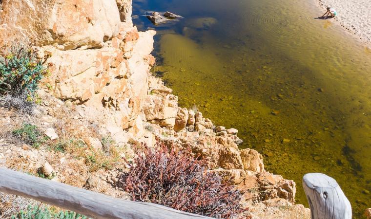 Spiaggia Li Cossi - vista dall'alto - Costa Paradiso