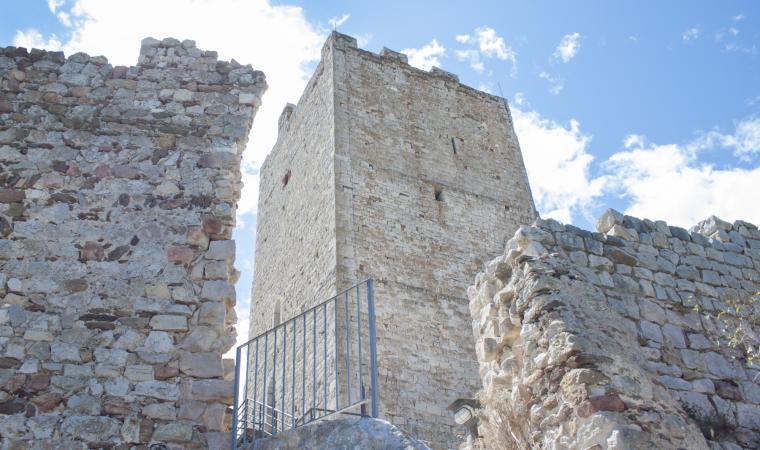 Posada, castello
