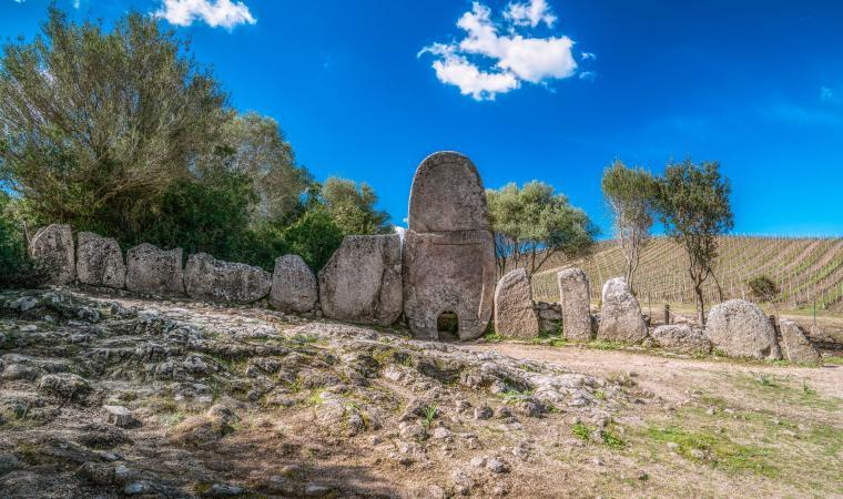 Tomba di Giganti di Coddu Ecchju - Arzachena