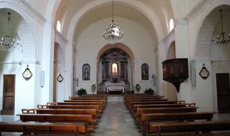 Chiesa di  nostra Signora della Pazienza, interni - Uri