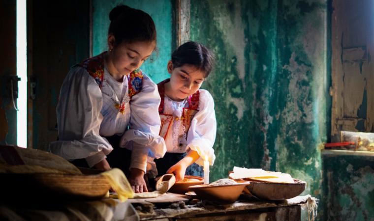 Preparazione pane carasau - Oliena