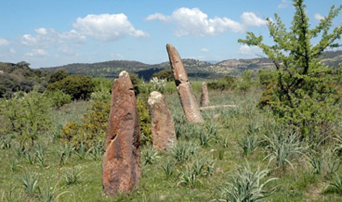 Laconi, menhir e dolmen di Corte Noa