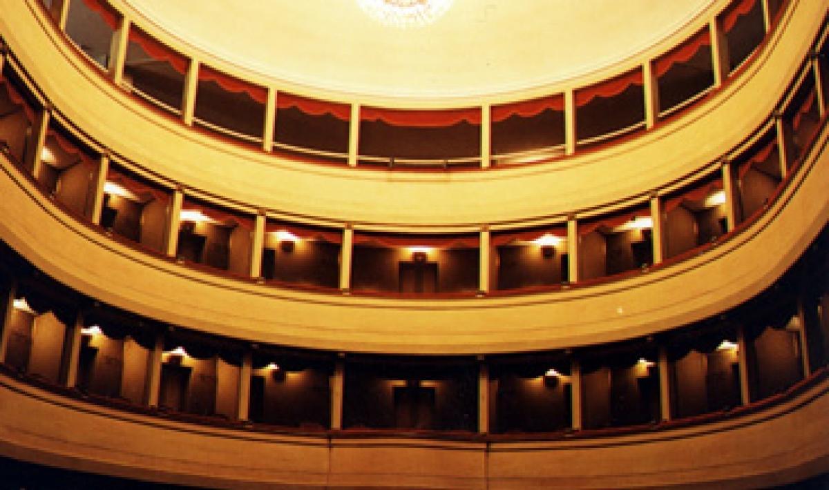 Alghero, interno del teatro civico: palchi e loggione
