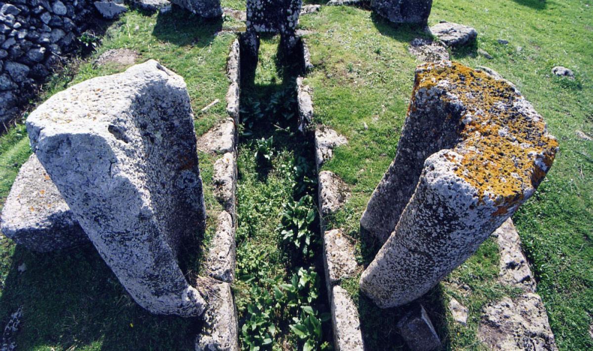 Scano di Montiferro, Tomba dei giganti; Tomb of the Giants, Scano di Montiferro
