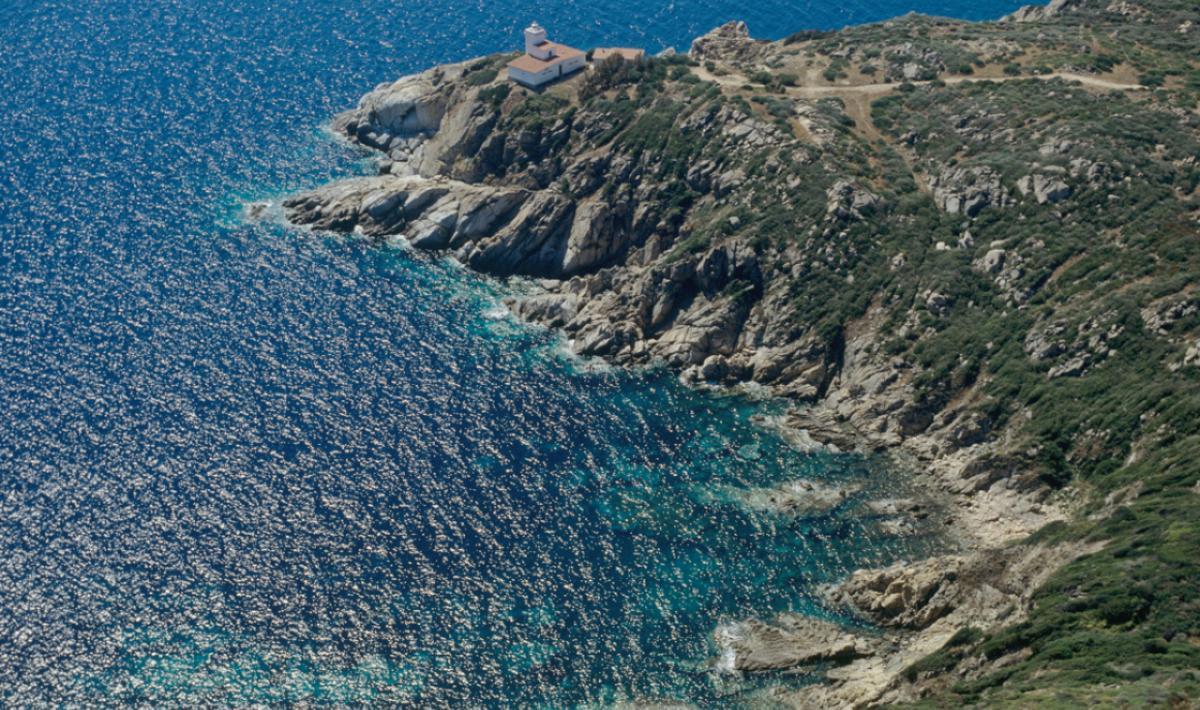 Muravera, scogliera intorno a Cala Sa Figu; The cliffs around Cala Sa Figu, Muravera