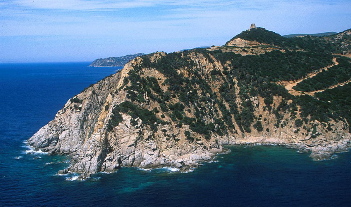 Capo Boi, l'aspro promontorio; The rough promontory of Capo Boi