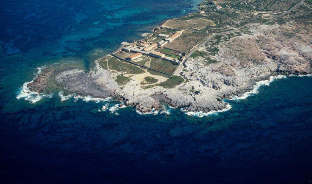 Isola di San Pietro, la scogliera de La Punta; The cliff of La Punta, Isola di San Pietro