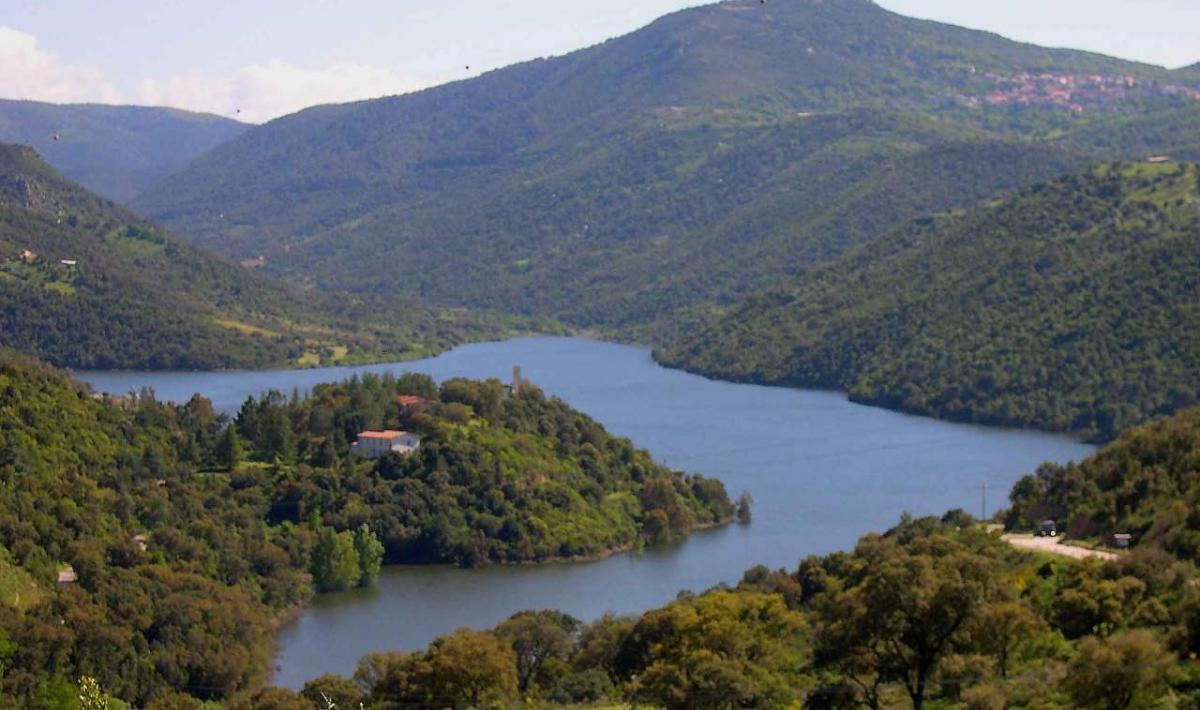 Teti, panoramica del lago di Cucchinadorza