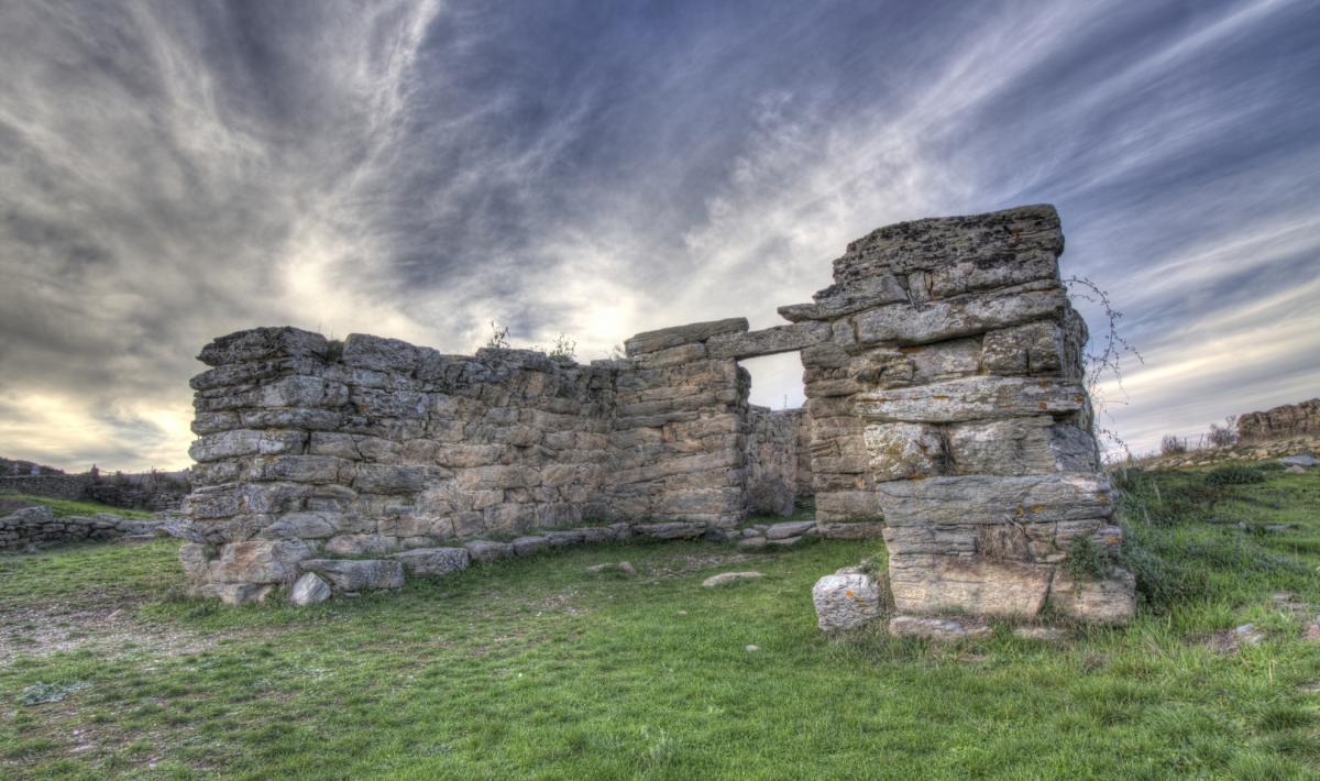 Tempio a megaron, sa domu de Orgia - Esterzili