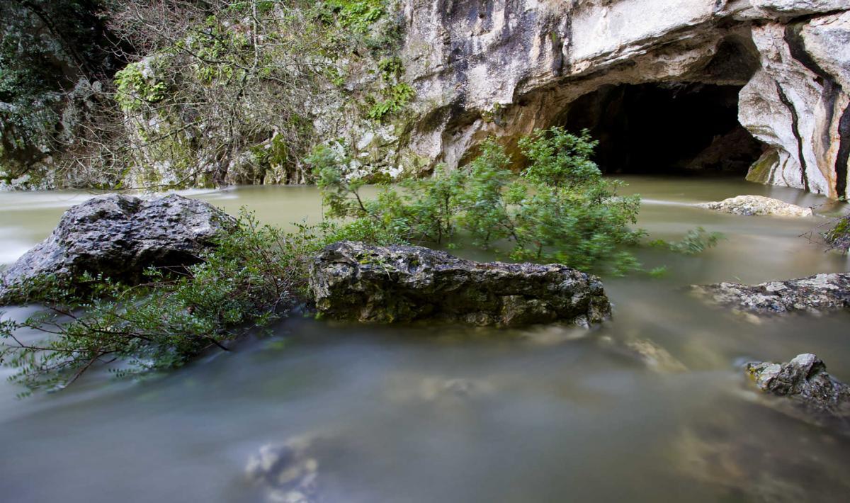 Sa Oche 'e su Bentu, grotta
