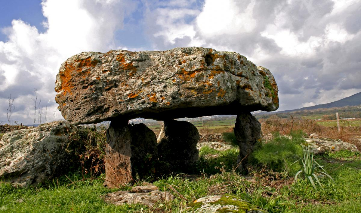 Sa Bogadas, dolmen - Birori