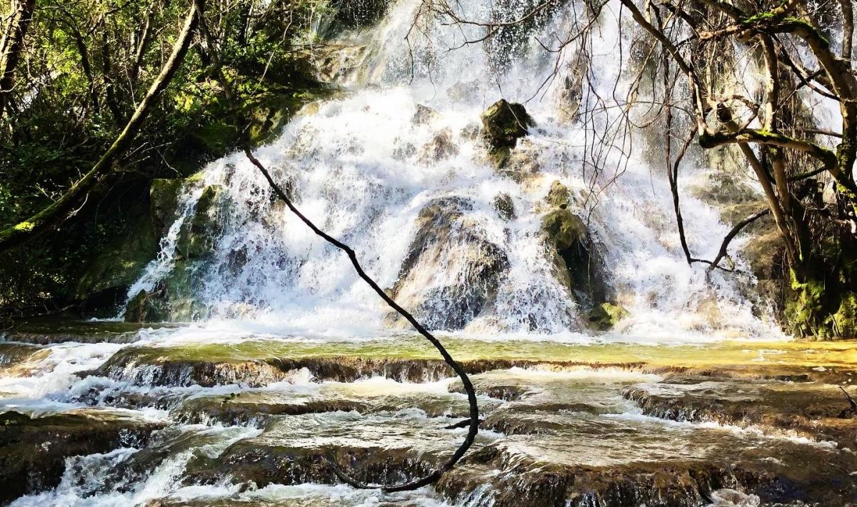 Parco Funtana Is Arinus - cascata su Craddaxioleddu - Nurallao