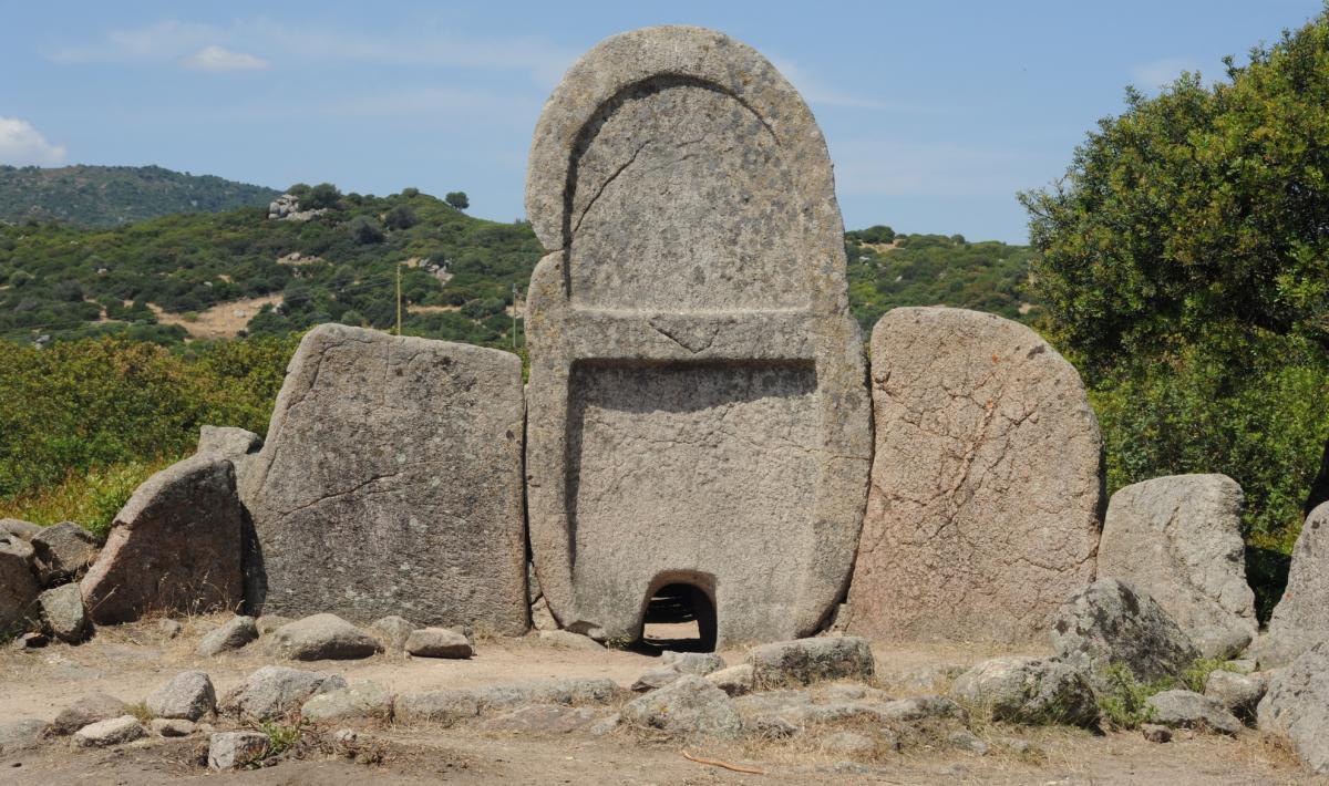 S'ena e thomes, tomba di giganti - Dorgali