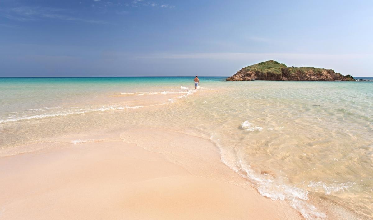 Spiaggia di Su Giudeu, isolotto - Chia