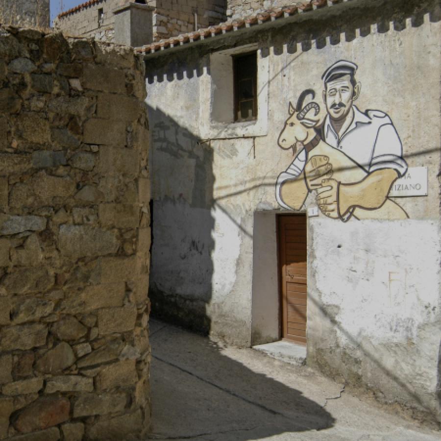 Sorcio con murales - Orgosolo