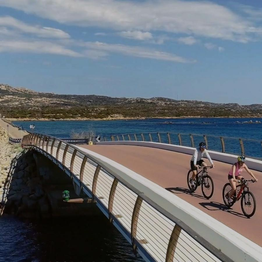 biking- ponte La Maddalena - Caprera