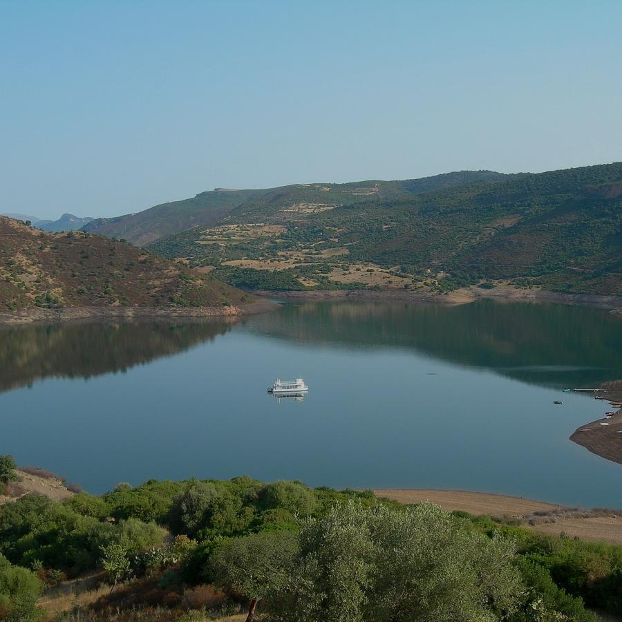 Lago Flumendosa itinerario laghi e nuraghi