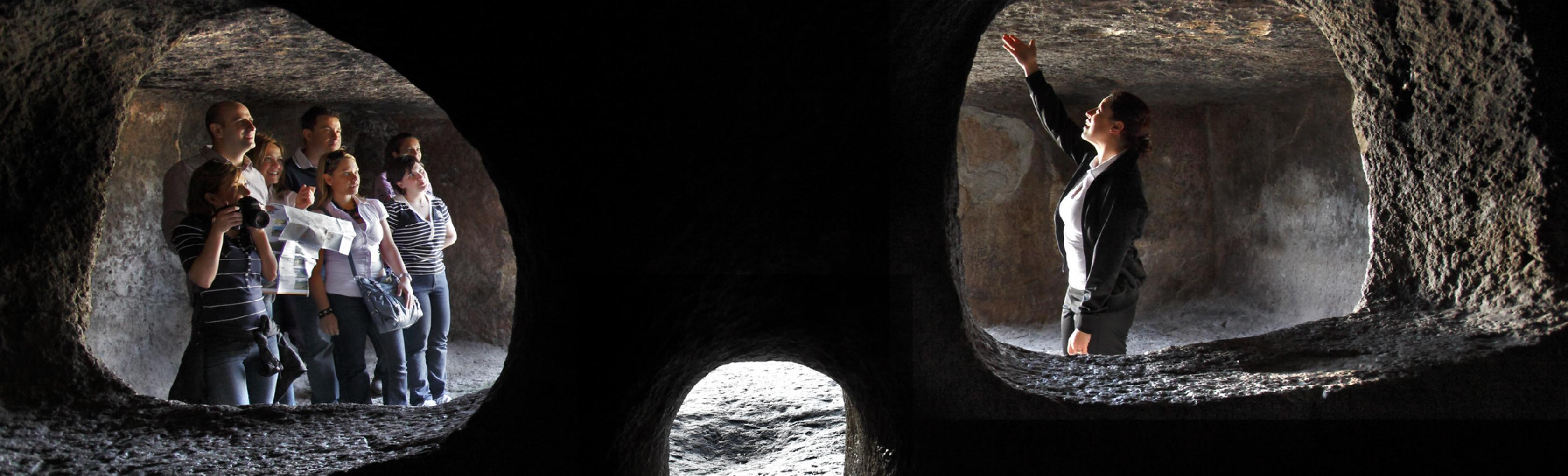Domus de janas, interno - Montessu - Villaperuccio