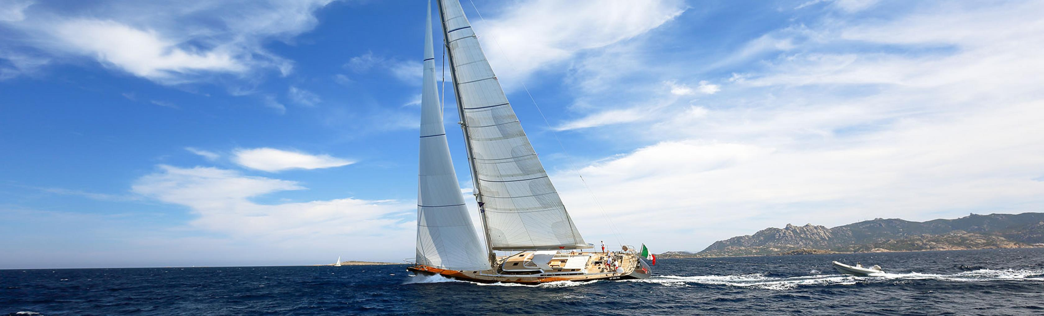 In barca in Sardegna